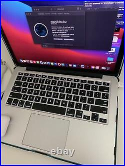 2015 MacBook Pro 8GB 2.9GHz Intel Core i5 250gb + Case + Air pods BUNDLE
