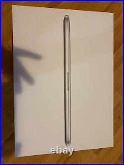 Apple MacBook Pro 15.4 MJLQ2LL/A 2015 Tech21 Case Glass+Scrn Protector Bundle
