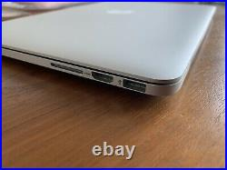 Apple MacBook Pro 8GB RAM, 128GB SSD 13.3-in, Early 2015, with Thule Case Bundle