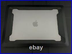 MacBook Pro 15 2019 + iBlason Rugged Case + CaseLogic Bag (BUNDLE, see desc.)