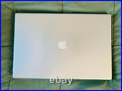 MacBook Pro 17-inch 2012 Silver Case and Keyboard Great condition BUNDLE