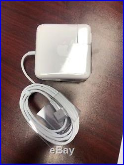 Mac Book Pro Early 2013 13' 2.6 GHZ i5, 8GB RAM, 256GB SSD New top case, bundle