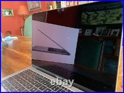 Macbook Pro 2017 + Apple Magic Keyboard + Mouse + Case Bundel RRP £1500 Bundle