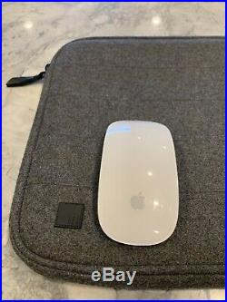 Mint Apple MacBook Pro A1502 13.3 Laptop 2.4ghz/8GB/256GB Case & Mouse Bundle