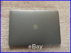 Mint Macbook Pro 13 2.4ghz i7 16GB 512GB + Skin & Case Bundle RRP£2099 2016