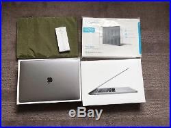 Mint Macbook Pro 15 Touchbar 2.6ghz 16GB 256GB MLH32B/A Space Grey Case Bundle