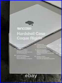 NEW Apple MacBook Pro BUNDLE Incase Hardshell Case and Airpods with Charging Case