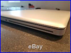 NICE Apple MacBook Pro 17 3.06GHz 8GB 500GB HDD A1297 w CASE & SLEEVE Bundle